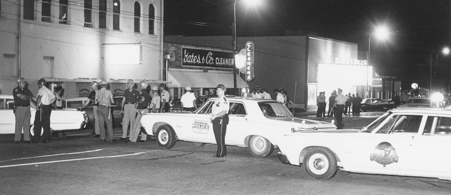 Police_-Baricade_at_Theater.attr_.The_University_of_Alabama_Libraries_Special_Collections Tuscaloosa Civil Rights History Trail