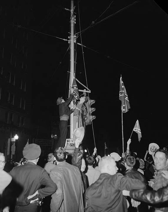 Students_hoisting_Confederate_flags_on_University_Avenue_during_antiintegration_demonstration_in_Tuscaloosa_Alabama Tuscaloosa Civil Rights History Trail
